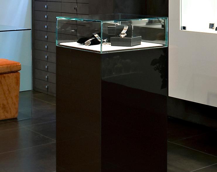 Arredamento gioiellerie espositori e mobili for Cilia arredamenti